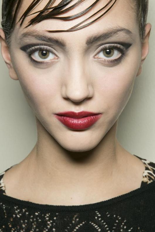 giorgio-armani-prive-beauty-haute-couture-spring-2013-pfw21