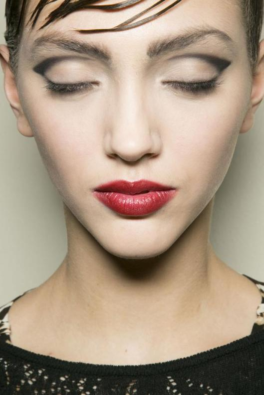 giorgio-armani-prive-beauty-haute-couture-spring-2013-pfw22